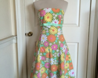 Mad Men-style vintage fabric flower power 50s prom dress