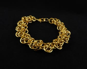 Airy Gold Chunky Chainmaille Bracelet