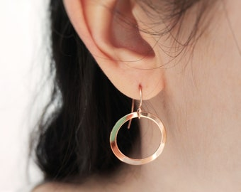 Rose gold earring. Hoop earring, loop earring, Rose gold disc earring. Minimalist rose gold earring. Modern rose gold earring. Pendant gold