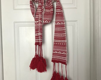 Red and white holiday scarf