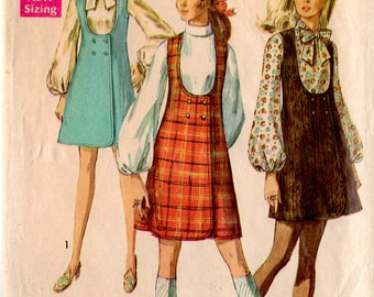 1969 Junior Petite WRAP JUMPER & BLOUSE Pattern Simplicity #8345 Size 11 Bust 34 Double-Breasted Zip Back Blouse Vintage Sewing
