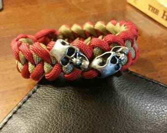 The Shark Jaw Bone paracord bracelet with two skull accent beads