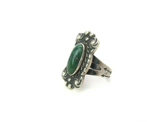 Vintage Navajo Green Turquoise Hand Stamped Sterling Silver Ring