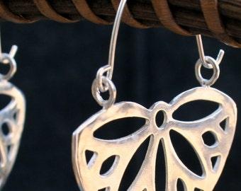 Silver hoop earrings flower shaped, Flower Hoops, Silver hoops, Silver statement earrings, large silver earrings