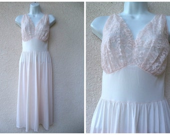 """1950s NIGHTGOWN. Pink Nightgown. Silky Nylon Nightgown. Vanity Fair Nightgown. Fitted Bust Area. Full Sweep. Lavish Lace Trim.  40"""" Bust"""