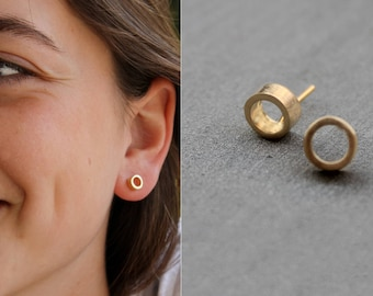 Circle Studs, Gold Circle Stud Earrings, minimalist earrings gold, geometric stud earrings, gold minimalist earrings, gold circle earrings