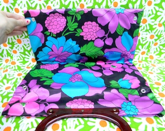 Vintage 60s Flower Power Tote, Purse, Handbag in Psychedelic Floral Print - Unused NOS new old stock w original tags - Summer Fashion SALE