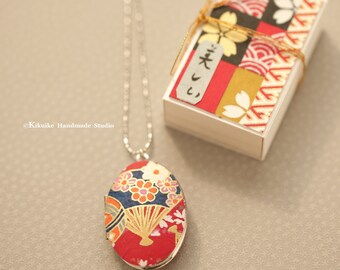 Japanese chiyogami locket necklace,Photo Necklace,Necklace Locket,Locket Jewelry,photo locket,Valentine Gift,Gift for her,Girlfriend gift