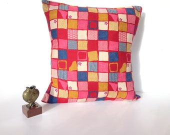 Cushion cover in Japanese fabric, pink and Red checkerboard Dim: 45 x 45 cm