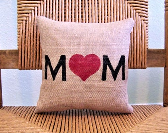 Mom pillow, Mother's day gift, Love mom pillow, love pillow, stenciled pillow, FREE SHIPPING!
