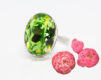 925 sterling silver statement ring, Grass green, light green, Peridot green, free size, made with crystals from Swarovski ®