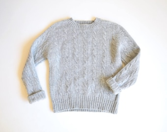 1970s cable knit wool sweater | size small | raglan sleeve sweater | light gray wool cable knit sweater | crew neck