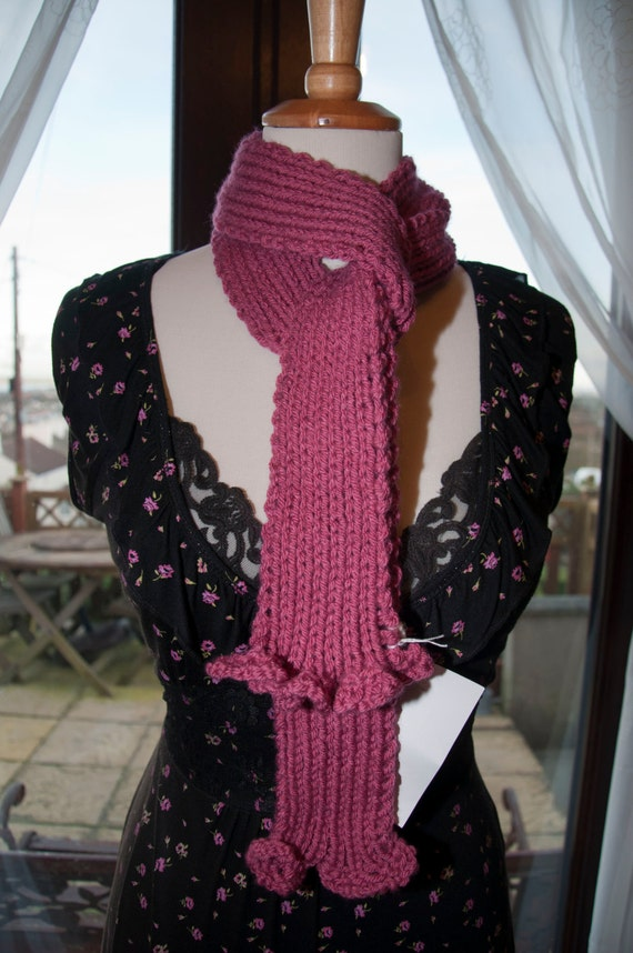 Handknitted Scarf in Pink Yarn
