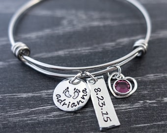 Charm Bracelet / Wire Bangle / Mother's Day / Mother Bracelet / Persoalized Bracelet  / New Mom Gift / Personalized / Hand Stamped