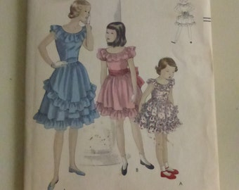 Vintage Vogue 2568 Girl's Party Dress Size 6 Years