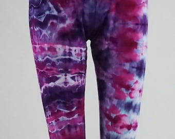 Fractal effect Large capri length leggings .  LGCL1367