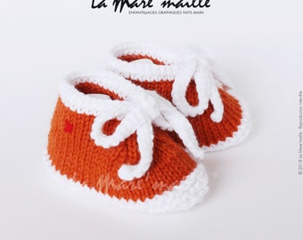Unisex baby booties knit wool orange and white spirit sneaker with the Mare hand knitted lace ' stitch