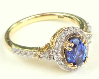 10K Yellow Gold, Blue Sapphire Ring, White Sapphire Halo, Oval Cut Center Stone, Estate Jewellry, Promise Ring, Engagement Ring