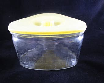Scurlock Refrigerator Dish, Scurlock Kontanerette, Yellow Lid, 1930s, 24 oz., Made in USA