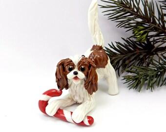 Cavalier King Charles Spaniel Blenheim Christmas Ornament Figurine Candy Cane Porcelain