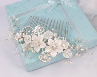 Isabelle-fleur de nacre, perles d'eau douce, strass et cristal Bridal peigne