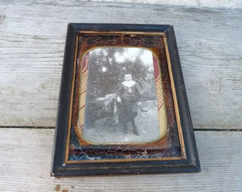 Vintage Antique 1850 /1900 Victorian French  brown under glass painted   photo frame