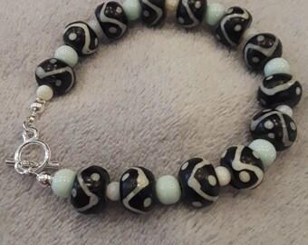 Black and Cream Wooden Bead Bracelet