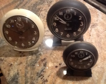 Alarm Clock Westclox Two Big Ben clocks and one Baby Ben. Great for a stage prop or collector.