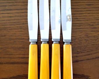 Vintage Forge Craft Forgecraft Table Knives Butter Knife Set of 4 Bakelite Handles