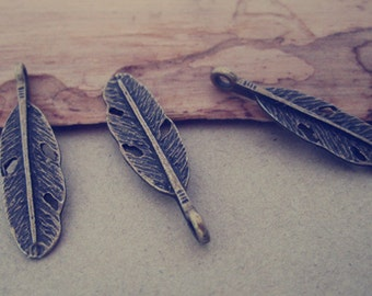 20pcs antique bronze small feather pendant Charms 8mmx30mm