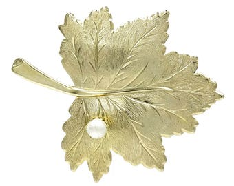 Vintage Sarah Coventry Gold And Pearl Leaf Brooch