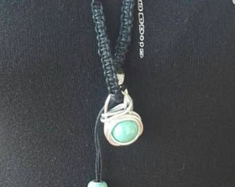 Necklace with ceramic pearl and alluminii