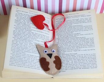 Handmade Bookmark / Bookworm Gift / Librarian / Owl bookmark / Felt Heart / Book / Booklover Gift / Felt bookmark / Heart bookmark