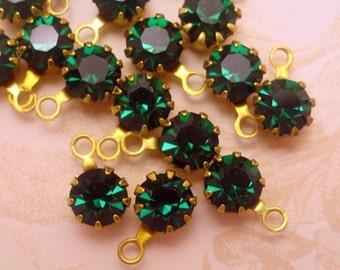 Vintage Swarovski Emerald Green Drops/Charms-8