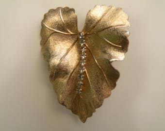 Vintage Gold Tone Leaf Pin with Rhinestons, Vintage Rhinestone Pin, Vintage Brooch, Vintage Leaf Pin, Leaf Pin, Leaf Brooch