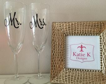 Mr. & Mrs. Champagne Flutes (Set of 2)