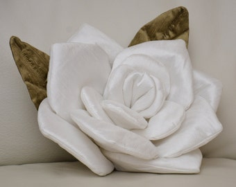 Flower Pillow White