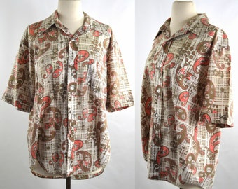 1970s Mens Tan and Coral Pink Paisley Button Up Shirt by Montgomery Ward