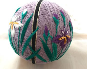 Japanese Temari ball  : Iris