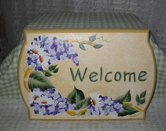 Hand Painted Welcome Sign with HP Wisteria and Daisies