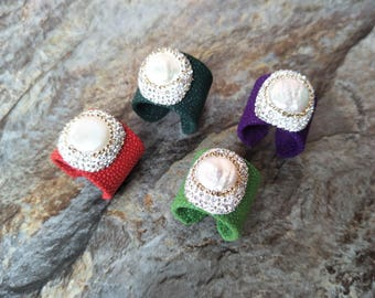 4 pcs Natural Pearl rings ,with Paved white Crystal Rhinestone Jewelry Finger Druzy Fishskin Gem stone  Ring For Women Jewelry  R79