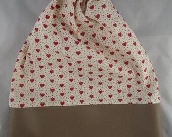 Pochette008 - Pochette simili cuir / coton beige et rouge motif cœurs
