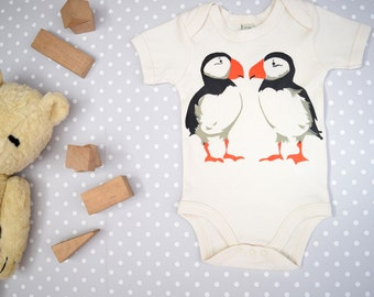 Baby bodysuit in organic cotton with puffins. Baby one-piece. Baby boy or baby girl gift.