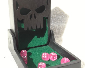 Foldable dice tower with skull (S)