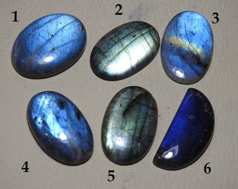 1. Piece Very Rare Labradorite Cabochon Blue Flashy Fire Finest Quality Wholesale Price 100% Natural New Arrival