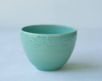 Handmade Ceramic Lace Bowl in Mint