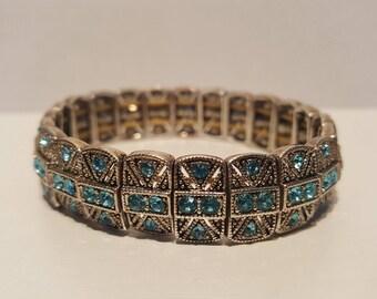 Stretchable adjustable  bracelet with aquamarine rhinestones