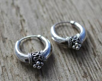 Sterling silver hoop earrings. 20mm Bali hoop earrings. Bali hoop earrings. Oxidiced sterling silver earrings. Tribal hoop earrings.