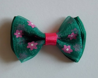 Pretty pink and green flower patterned Ribbon bowtie