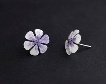 White Flower Earrings, Stud Earrings, Stainless Steel, Enamel Jewelry, Bridesmaid Earrings, Bridesmaid Jewelry, Dainty Earrings, Wedding